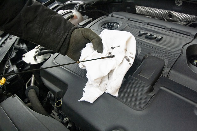 bieżąca eksploatacja samochodu - kontrola poziomu oleju