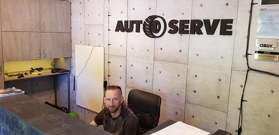 Auto-Serve warsztat Katowice w nowym biurze